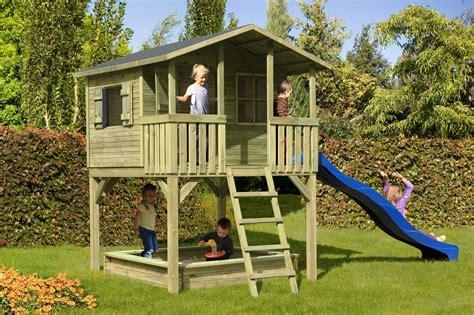 maisonnette en bois sur pilotis 3431 plan maisonnette en bois 0 cabane enfant sur pilotis