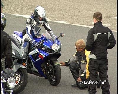 Motorrad Sicherheitstraining Bungen by Motorrad Sicherheitstraining Dvd Lehrvideo Lehrvideo Shop De