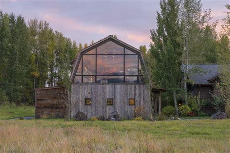 dream barn living  english room