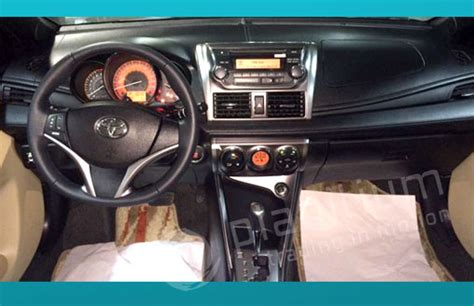Yaris G A T 1 5 2015 toyota yaris hatchback 1 5 dealers exporter in dubai
