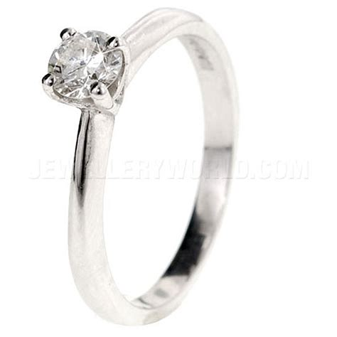 0 25ct 18ct white gold 4 claw engagement ring
