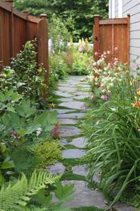 backyard walking paths best 25 flagstone path ideas only on pinterest how to