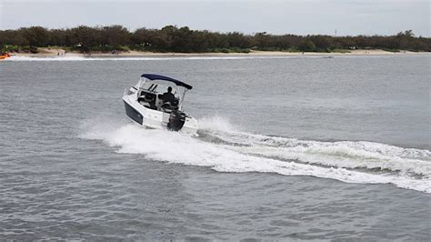 boat engine bogs down when accelerating travelling at high speed boat handling tips north coast