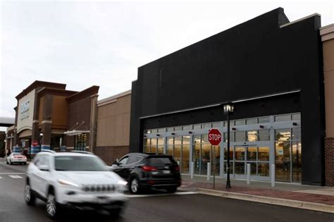 Nordstrom Rack And Nordstrom Difference by Opening Date Set For Nordstrom Rack In Algonquin Commons