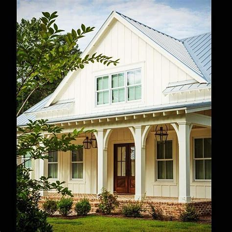 farm house windows best 25 porch columns ideas on pinterest front porch columns front porch posts and