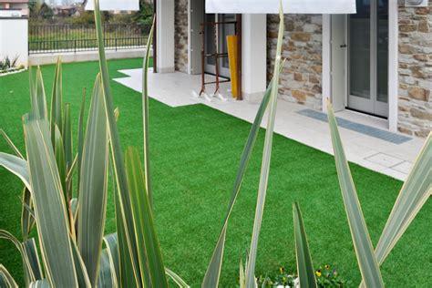 giardino sintetico prezzo applicazione erba sintetica per tutti i giardini