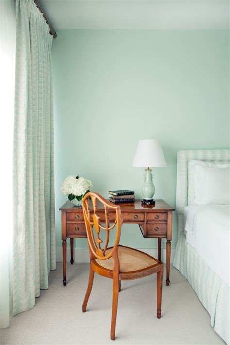 pick  perfect color palette   bedroom