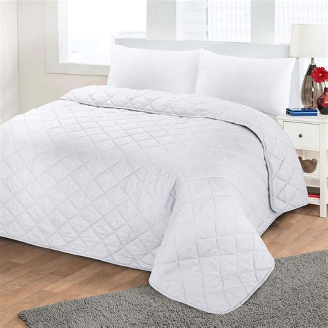 Soft Quilts Bedding Hdn Luxurious Plain Colour Soft Quilted Embossed Bedspread