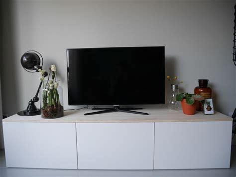 Houten Kast Ikea by Diy Ikea Besta Tv Meubel Met Houten Plank