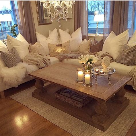 comfy living room best 25 romantic living room ideas on pinterest