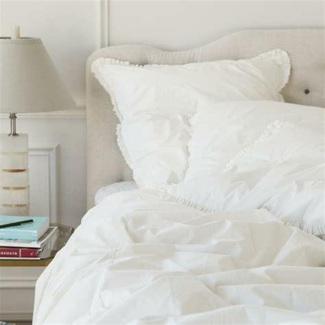 fluffy white bedding best 25 fluffy white bedding ideas on pinterest white