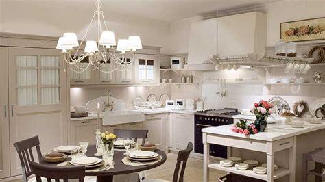 arredamento in stile provenzale ladari stile provenzale per illuminare una casa raffinata
