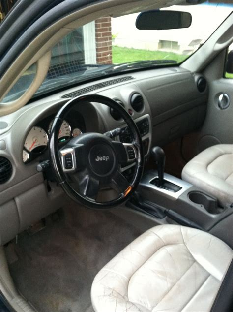 2002 Jeep Liberty Interior by 2002 Jeep Liberty Pictures Cargurus