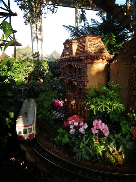 Photos From The Holiday Train Show At The Botanical Garden Trains Botanical Gardens