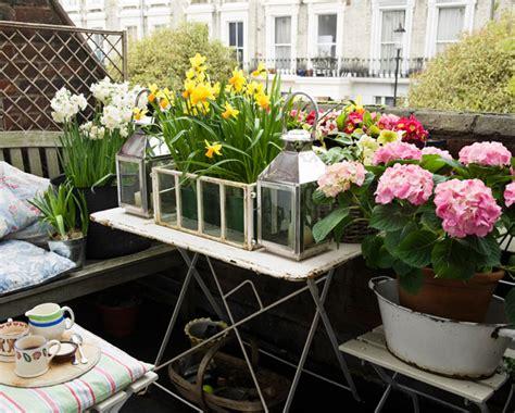 giardino sul balcone come farsi l orto sul balcone in sette mosse famiglia