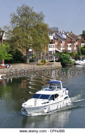 thames river cruise surrey riverside promenade thames edge staines upon thames