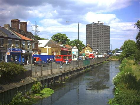 wandle industrie hlf to award 163 2 million for revitalisation of the river
