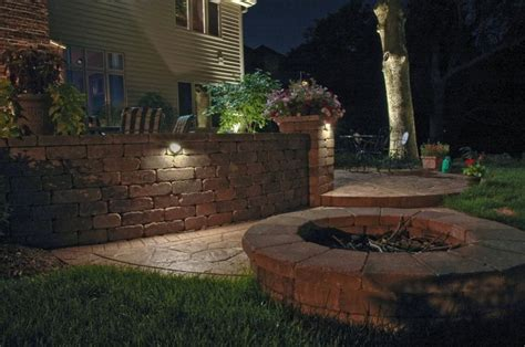 Retaining Wall Lights by Retaining Wall Lighting Outdoor Renovations