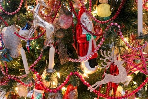christmas themes beginning with l christmas tree theme ideas thriftyfun