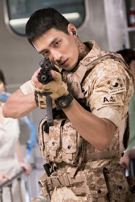 021bfc Softcase Soldier Dots Descendants Of The Sun Iphone6 drool these abs olutely special forces soldiers in descendants of the sun kavenyou