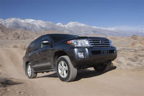 Toyota Land Cruiser 2014 2014 Toyota Land Cruiser Reviews And Rating Motor Trend