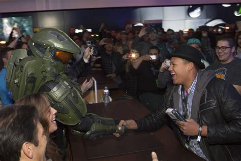 Casing One Plus 5 Ronaldo In Se7en Custom Halo 5 Guardians Smashes Record For Halo Launch