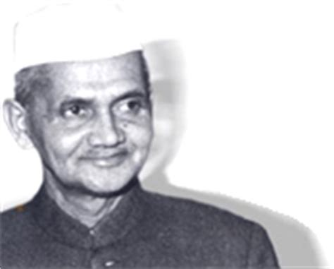 biography in hindi of lal bahadur shastri all indian freedom fighters writers essays hindi