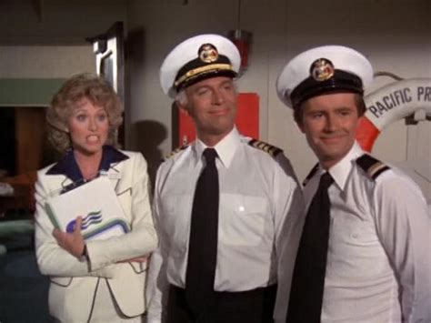 isaac and julie love boat lauren tewes gm and fg quot love boat angels quot sitcoms