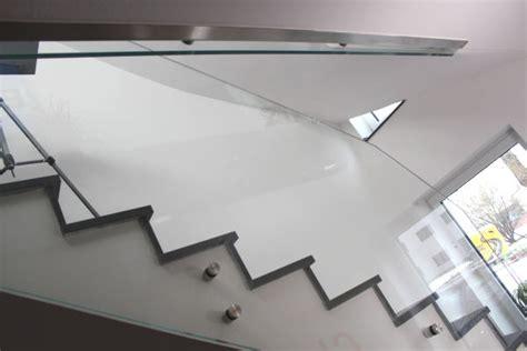 treppengeländer handlauf halterung glas de treppenhausbr 252 stung