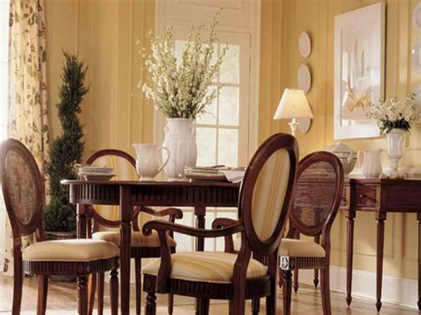dining room tips for choosing the best dining room color