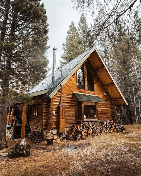 log cabin wood 25 best ideas about log cabin exterior on log