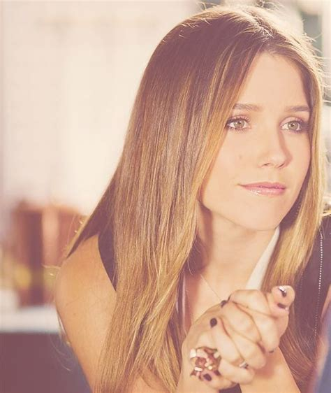 brooke davis haircuts sophia bush there is only one tree hill pinterest