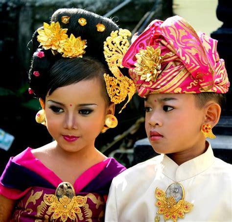 Celana Adat Bali 5 pakaian adat bali pria dan wanita lengkap gambar penjelasan