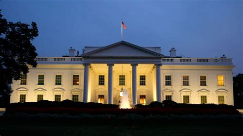 www white house com intruder breached white house grounds www wokv com