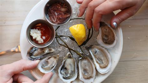 top oyster bars nyc national oyster day best oyster bars happy hours in nyc 171 cbs new york