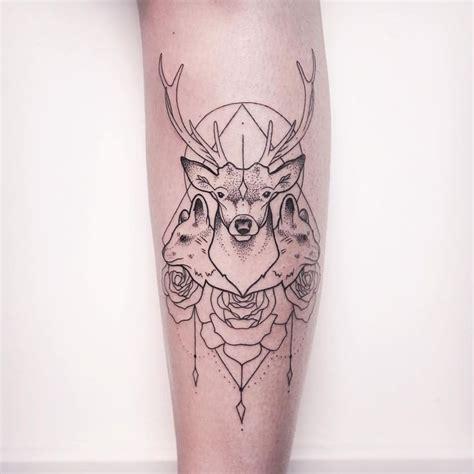 hirsch tattoo geometrisch und fein gestochen von melina