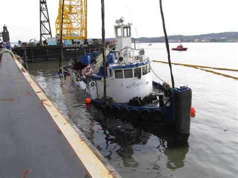 york river boat sinks ntsb releases reports on fatal tugboat sinking on hudson