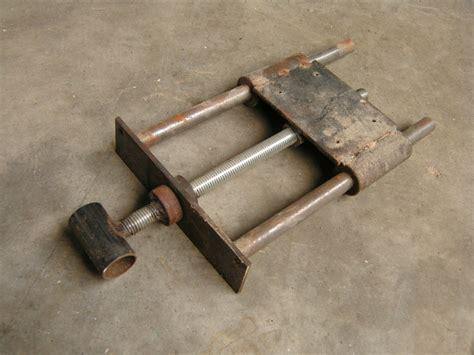 woodworking bench vise polite work