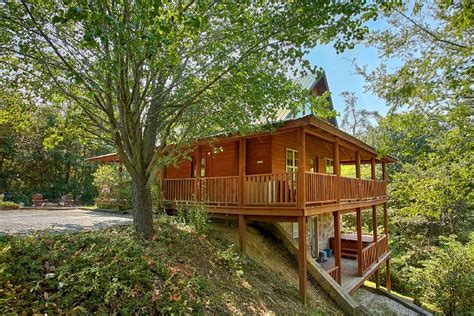 2 bedroom cabins quot 2 tranquil 4 words quot 2 bedroom sevierville cabin rental
