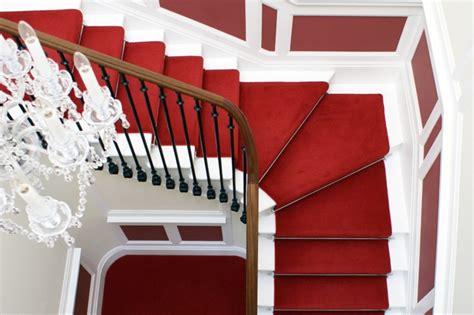 Charmant Couleur De Maison Interieur #4: 0-moquette-escalier-leroy-merlin-tapis-escalier-rouge-rampe-d-escalier-en-bois-et-fer-tapis-rouge.jpg