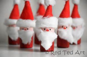 Simple wine cork red felt and cotton wool craft that the kids