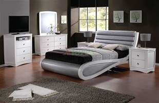 Platform Bed Bedding Ideas Platform Bedroom Beds Furniture Home Design Ideas Tags