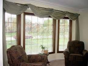How To Hang A Scarf Valance On A Curtain Rod Bay Window Treatment Ideas Bay Window Treatments In Pictures