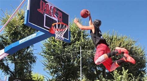 basket con tappeti elastici slamball si vola con lo sport all aquafan in co