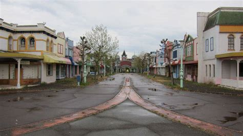 these 10 abandoned theme parks around the world are creepy and fascinating
