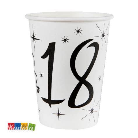 piatti e bicchieri di carta bicchieri di carta 18 anni con grande sta nera