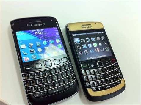 themes blackberry 9790 a closer look at the blackberry bold 9790 crackberry com