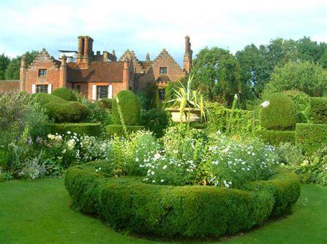 Gardenia Manor Chenies Manor House And Gardens