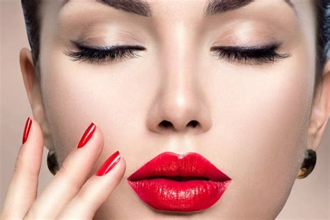 holiday makeup   love  trends  falling