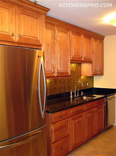 honey maple kitchen cabinets honey maple kitchen cabinets kitchen pro
